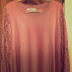 Rose & Olive long sleeve with lace detail.